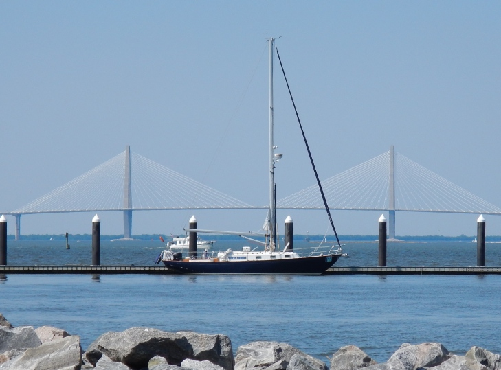 S/V L'Amarre an Alberg 37 in Charleston Harbor